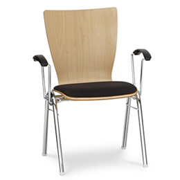 Stuhl Taurus helles Holz mit schwarz gepolsterter Sitzfläche stapelstuhl
