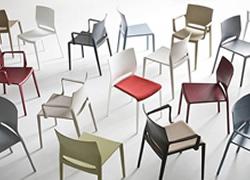 Stuehle_aussenbereich-Kunststoffstuehle-Stapelstuehle