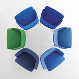 Wartebereichssessel in Blau und grün