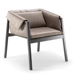Holzstuhl mit rundum Polsterung und breiter Sitzfläche