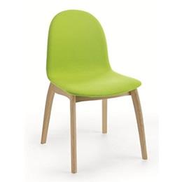 Stuhl mit Holzgestell und grüner Sitzschale